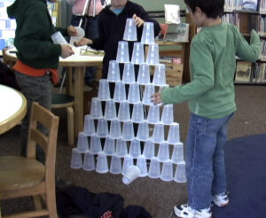 make a cup tower