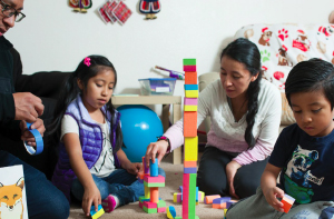 BY SCOTT PATTISON, SMIRLA RAMOS-MONTAÑEZ, GINA SVAROVSKY, CYNTHIA SMITH, VERÓNIKA NÚÑEZ, ANNIE DOUGLASS Supporting engineering interest development in early childhood for low-income families. In the United States, there are large and persistent disparities across communities in the available opportunities for children and their families to access quality STEM learning experiences.
